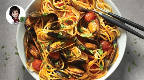 Spaghetti with Mussels & Tomatoes | IGA Recipes