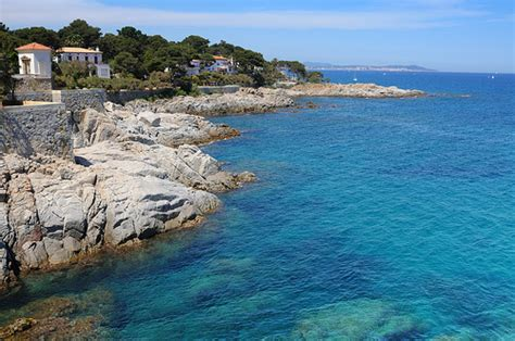 Enjoy 1day in Costa Brava with BestPlan! Book now a family