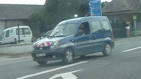 Voiture police banalisée x 2 + Police nationale + passage