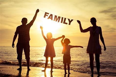 The meaning and symbolism of the word - «Family»