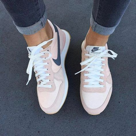 Sneakers Rose poudré, Nike | Chaussures | Pinterest | Rose