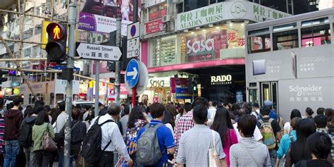 Cultures Clash As Mainland Chinese Tourists Flood Hong