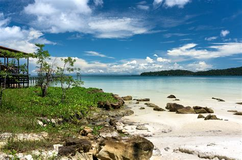 Sihanoukville to Koh Rong and Koh Rong Samloem by Ferry