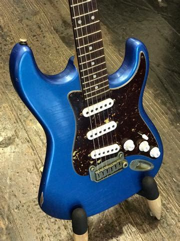 G&L Legacy Rustic Lake Placid Blue Stratocaster – Piano Time