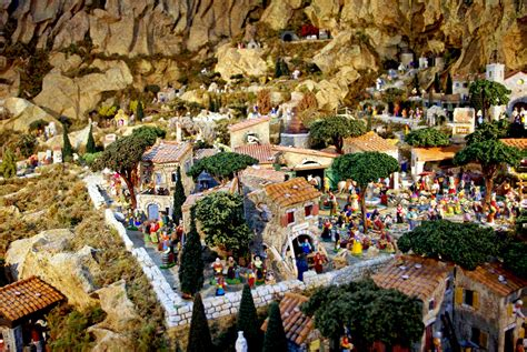 Learn about the traditions of Christmas in Provence