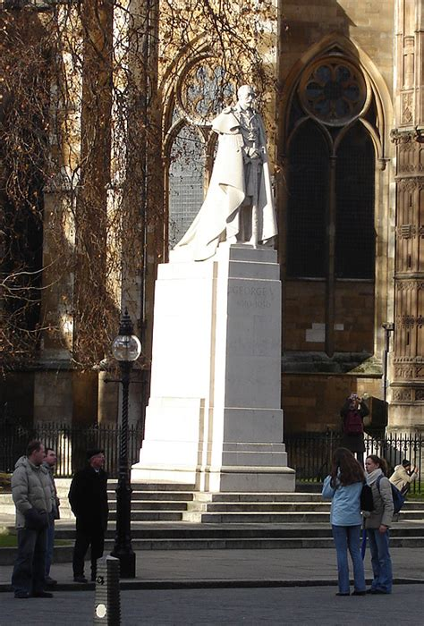 Statue of George V, Westminster - Wikipedia